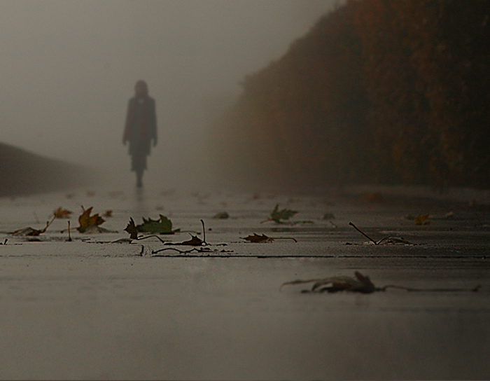 Грустные статусы про одиночество